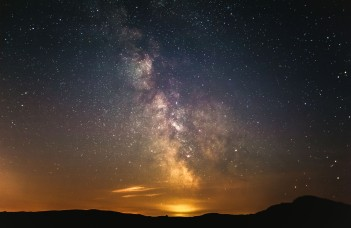 Love this one also, it was taken later in the night so the milky way is clearer. (5 image stack)